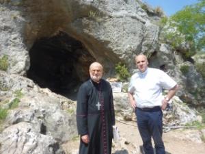 Mgr HAGE et Père PETEUL